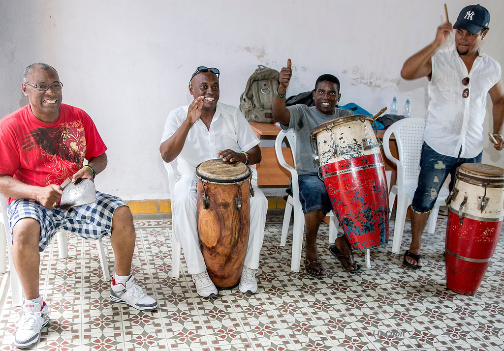 https://cubit.smugmug.com/Cuba/Cuban-Dance-and-Music/i-TVcmTLb/4/XL/DSC03457-XL.jpg